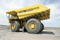 ついでにこれも用意したほうが良い  俺はコマツ960E 巨大ジャンボダンプ派だ  全高約7メートル...