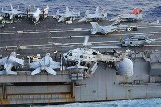 そもそも、空母着艦できる構造になっていませんので不可能です。F-4EJ改も米空軍仕様の物を改造しているので空母への...