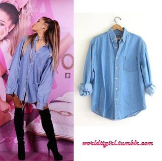 海外のファンブログで「彼女が着ているものを紹介」してるサイトがあるんですが、このデニムシャツはBanana...