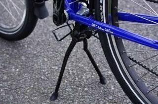 クロスバイクなら二本足のセンタースタンドのが良いんじゃないの?