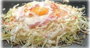 そもそも、本来お好み焼きに山芋も卵も入れないけどね。  小麦粉と水だけでつくり、広島みたいに丸く敷くのです。...