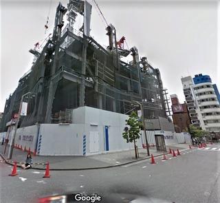 写真右端の建物は歌舞伎町のカラオケ館ですね。これが写り込んでいなければわからなかったです。...