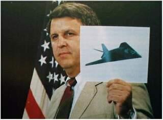 最初のプラモデルは、アメリカのテスター(TESTORS)が発表したF-19 Stealth...
