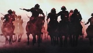 源平合戦は、数が一桁多く誇張されています。  「騎馬10騎」と言ったら、お付きの者が「30万人」付くことに。...