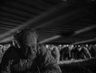 ヒッチコックの「見知らぬ乗客」の、ラストのクライマックスで、暴走したメリーゴーラウンドを止めようと、勇敢にもメリー...