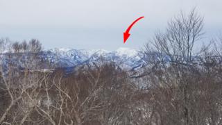 「苗場山」という意味ならこの通りバッチリ見えます(やまびこAコースの滑り出し付近から)。...