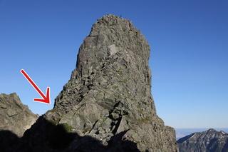 雰囲気的には奥穂からジャンダルムは剱岳の別山尾根に似ているので、ここを楽しめれば大丈夫です。ジャンへの一般道は画像...