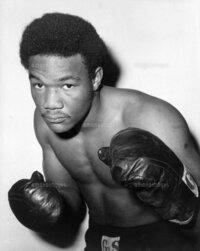 歴代最高の「パンチ力」を持つボクサーは誰だったでしょうか? 現役選手、過去の選手を問わず・・・  「象をも倒す」ジョージ・フォアマンに1票!