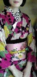 夏祭りに浴衣ではなくて着物を着てもいいんでしょうか? 京都に下宿している大学生です。 先日天神さんで大正時代のアンティークの着物を購入しました。 この着物を着て友達と初めての祇園祭に行きたいのですが...