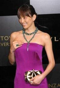 米倉涼子さんは胸大きいですか?