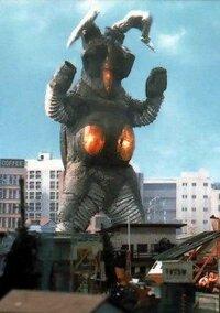 【宇宙恐竜大喜利】 養殖物とか粗悪品とか言われてしまう 「ゼットン二代目」  初代ゼットンより優れているところは何でしょう?