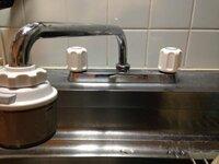 分岐水栓について教えて下さい。 今度食器洗い乾燥機(Panasonic)を設置するんですが水栓品番がわかりません。 一応調べてみたんですが合っているかわからないので教えて欲しいです。 蛇口のところにtotoと書いて...