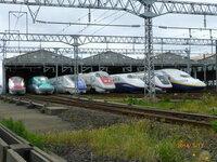電車の定期運行で1編成の座席数で日本一多いのはどこで運行しているどの車両ですか。(全て・JRのみ・私鉄のみ)  電車の定期運行で1編成の座席数で世界一多いのはどこの国どこで運行しているどの車両ですか。