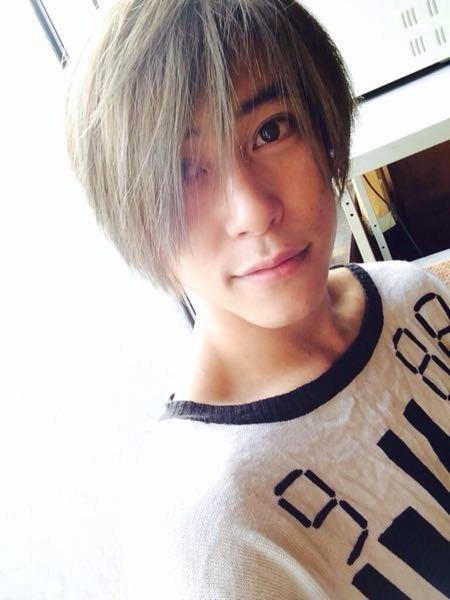 佐野岳さんのこの髪色はどーやったら再現できますか?