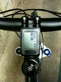 通勤・買い物サイコン  長距離走るならサイコンは使い勝手があり楽しめますが、 通勤や買い物だけの自転車でもいいものでしょうか?  そのような自転車でサイコンの使い勝手とは?