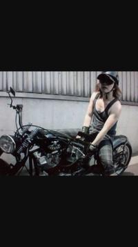 hydeが乗ってる このバイクの車種はなんですか?
