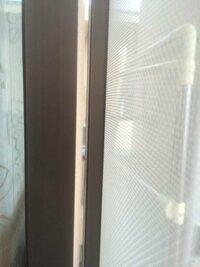 古いマンションで、サッシと網戸の間に前後の隙間があり、虫が入ります。解消方法アドバイス下さい。