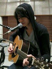 洋平さんが使用しているこのアコギはYAMAHAのどの型ですか?  YAMAHA アコギ ギター [Alexandros] ドロス 川上洋平