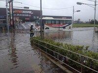 関東地方に台風が上陸してしまいましたが、こうなるのも「天誅」みたいなものですか?