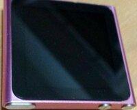 これは、iPod nanoでしょうか? miniなのでしょうか?  充電器がないので電源の入れ方もわからないのですが、いつ頃発売されたものでしょうか?