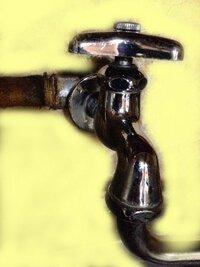 蛇口の交換について質問させてください。 随分前から吐水口から水が漏れ、パッキンや水栓ケレップを変えてもいよいよ全く止まらなくなってしまいました。 そこで、蛇口を本体丸ごと変えること ができれば水漏れ...