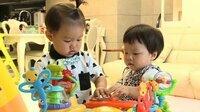 韓国のテレビ番組、オーマイベイビーに出演している男の子の名前を教えてください。 (写真の右側、テオくんではない男の子) よろしくお願いします。