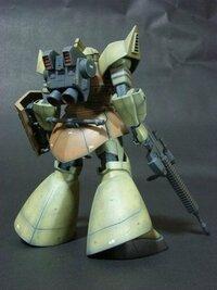 1/144の陸戦型ゲルググを作成したいと思っています。 画像に類似したバックパックを持つ1/144のキットはありませんでしょうか?
