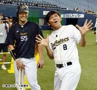 妙な質問ですが、 今年のオリックスと ますだおかだの岡田圭右さんのギャグはよりどちらがスベってる?。
