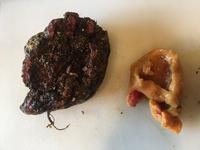 岩牡蠣と信じて獲ってきたのですが、、、  いったいこれは何でしょうか? 食べられるんでしょうか❓