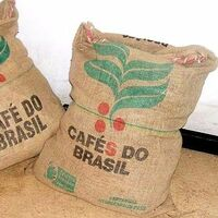 喫茶店やコーヒー豆屋さんで、直焙煎をされている方へお伺いいたします。  コーヒ豆が入っていた麻袋はどうされていますか。 廃棄されていますか。