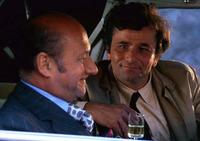(`∇´)【刑事コロンボ 大喜利】  10『同情』   [問題] 逮捕した犯人に同情するコロンボ。 その『理由』とは?     (`∇´ 第19話「別れのワイン」・ネタバレ)  *誰よりもワイン を愛する犯人エイ...