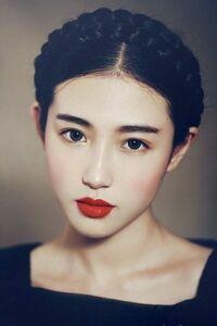 この人は誰ですか? モデルや芸能人、タレントか何かですか?  カットモデル 韓国 髪型
