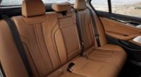 Bmw G30 5シリーズ  後席の写真ですが、リクライニング機能はありそうですかね??