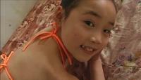 ジュニアアイドルに詳しい方教えてください。  この子はなんという名前の子でしょうか? 日本人なのか、アジア系なのかもわからないです。  ご存知の方、教えていただけると助かります。 よろしくお願いしま...