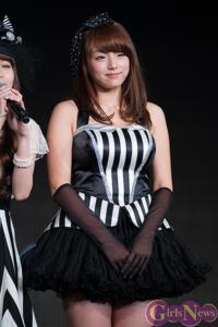 グラビアアイドルの中で篠崎愛ちゃんが一番可愛いと思います 歌も上手いし グラビアはエロいし グラビア界では一番好きです!もちろん芸能人の中でもAKBとかよりも可愛い! めっちゃ可愛い 私は高校2年生ですけど...