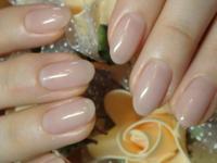 こんな感じで、自爪のピンクと白の色と全くおんなじ!ってレベルの色のマニキュアはありませんか? 私は爪が汚い(爪先の白い部分の幅が広くピンクの部分にくい込んでて汚い)のですが、ネイルが禁止(透明なら可)の...