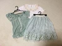axes femme(アクシーズファム)の洋服を3着買いました。かわいいお洋服でいいのですが、その洗濯方法はどうしたらいいのか不安です。 1着は手洗いOKだったのですが、残りの2着は家庭洗濯がNGとなっていました。流石に毎回クリーニング…というのは辛いので家庭洗濯NGのものでもネットに入れたりすれば洗濯機で洗っても大丈夫でしょうか?  アクシーズのお洋服をお持ちの方はどうされているのでし...