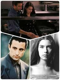 映画『ゴッドファーザーⅢ』でアンディ・ガルシア演じるヴィンセント・マンシーニとソフィア・コッポラ演じるメアリー・コルレオーネは何歳の設定ですか?