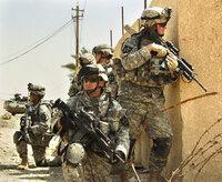 ヤクザは銃をもってますが、彼らはちゃんと射撃の訓練をしているのですか?  軍人のように銃のメンテナンスなどもできるのでしょうか?
