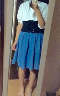 女子中学生です。このファッション変ですか?かわいいですか? 今から出かけようと思ってるんですけこの服でも大丈夫ですか?!