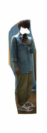 21歳大学生です。 明日ディズニーシーに行くのですが、オシャレにあまり自信がありません。 一応スナップ写真等を見て真似て見たのですが、 このコーデはどうでしょうか(~_~;)  ゆるい感じが好きなのでこれを選び...