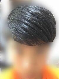 この髪の毛って、直毛ですか?くせ毛ですか?