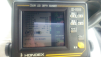 ホンデックスHE-6100という古い魚群探知機を中古で購入しましたが、説明書がついておらず使い方がわかりません。 せめてインターネットや動画で魚群探知機の基本知識を学ぼうとしましたが、まだ薄っぺらい事しか...