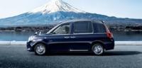 トヨタのジャパンタクシー(JPN TAXI)は広くて乗りやすそうですね。 タクシー専用車みたいですが、一般の人が自家用に使うことは可能ですか? 家族が皆背が高いので、とても魅力的で是非欲しいです。  タクシーに多い紺や黒を避けて白がいいかもしれません。 フェンダーミラーも視線移動が少なくていいかも。
