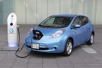 EV車(電気自動車)の普及と電動化の対象となる車種について質問です。   EV車(電気自動車)とは、電気をエネルギー源とし、電動機を動力源として走行する自動車を指すのだが、ここで質問です。 EUや支那とい...