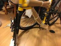 ハマーの自転車をネットで購入したのですが、前輪のはめ方がわかりません。はまらないのです。 教えて下さい