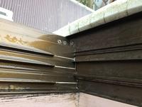 アルミサッシのろう付け補修について アルミサッシコーナー(写真中央)繋ぎ合わせ部分より雨漏れを確認し、その補修方法としてアルミろう付けを考えています。この状態のままで施工可能でしょ うか? 注意点、他の補修方法等あれば宜しくお願いします。