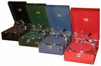 ポータブル蓄音機のHMV101、102型の相場や発売当時の価格をご存知の方御教示下さいませ。