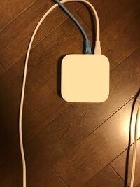 AirMac expressって無線で家にルーターが無くてもパソコンをインターネットに接続できる機器ですよね? コンセントを抜いたりLANケーブルを抜くとMacのインターネット接続が切れるのはなぜですか?