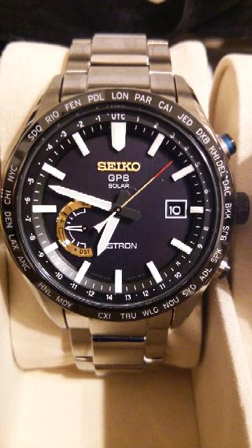 腕時計を手放そうか迷っています。セイコー・アストロン・SBXB119・大谷翔平モデルです。デザイン